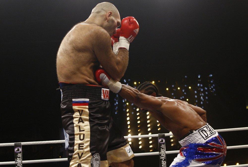 David defeats the 150kg man mountain Nikolay Valuev