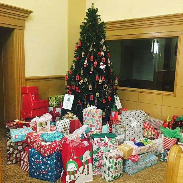 Very successful Christmas gift collection collab between the Knights of Columbus Council 539, Good Shepherd Parish, and Catholic Charities NoCO! @ccdenver_co @cokofc @kofc_official @1555grant