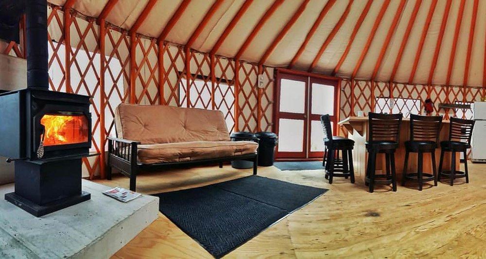 dlr-img-yurt-img-1500x800-4.jpg