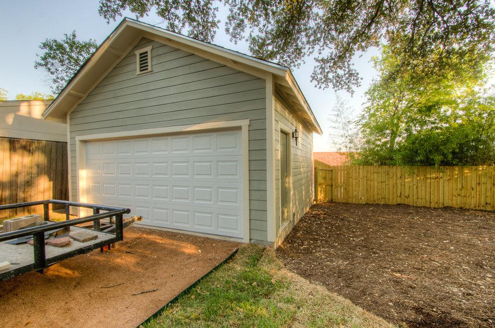 david montelongo design build detached garage 2alamo heights.jpg