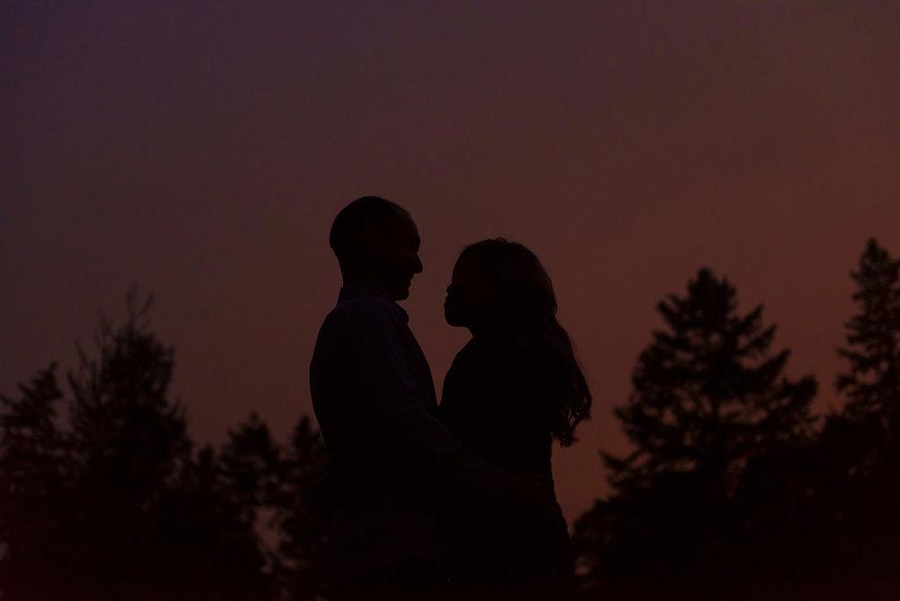 Gabby&Wayne-480_nighttime kiss.jpg