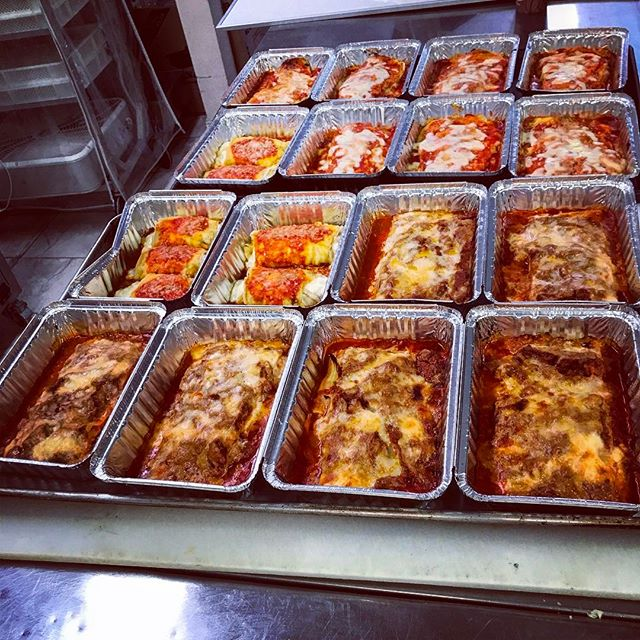 Fresh meat lasagna, spinach manicotti and eggplant parmesan all at the Katonah Pasta Shop! 🍝❤️