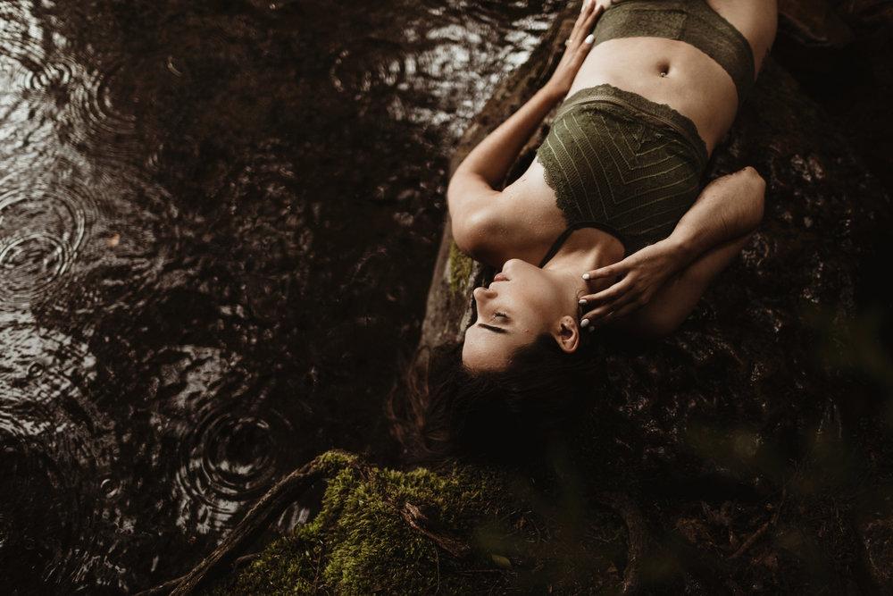 Quarter-Moon-Co-Lifestyle-Photography-Women-28.jpg