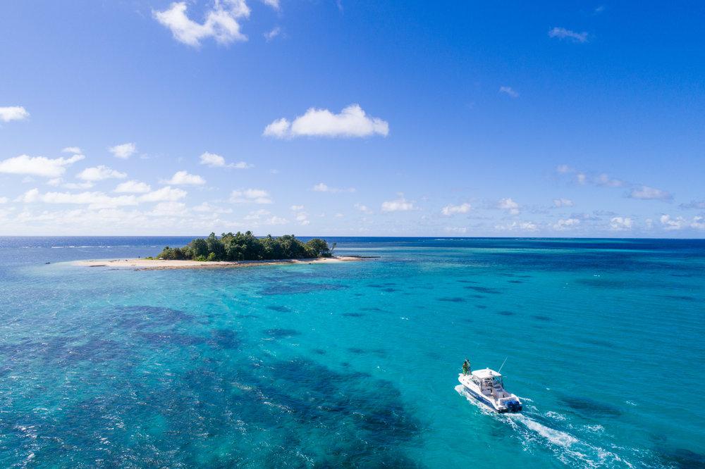 Nanuku - private island _ boat arrival.jpg