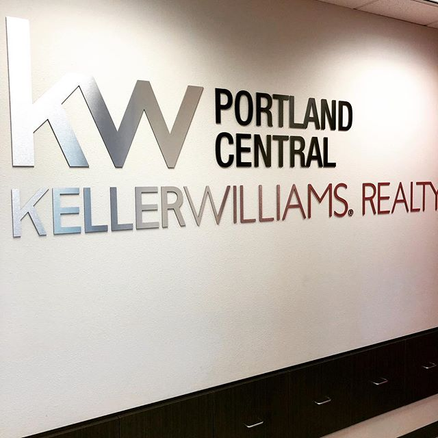 Had a great time brainstorming and helping a local real estate group build their vision. Connecting with people is the foundation of any business and doing it correctly from the start, helps build long term success.  #portland #pdxlife #pdxlove #oregonliving #oregonlife #pdxrealestate #portlandoregon #portlandnw #portlandeats #portlandpdx #portlandhomes #portlandtattoo #portlandbeer #smallbusiness #lakeoswego #beavertonoregon #bendoregon #portlandrealtor #realestateagent #oregonrealestate #realestateagent #portlandwedding #portlandfashion #portlandbride #portlandfoodies #entrepreneur #branding #personalbranding #mediarelations #pr