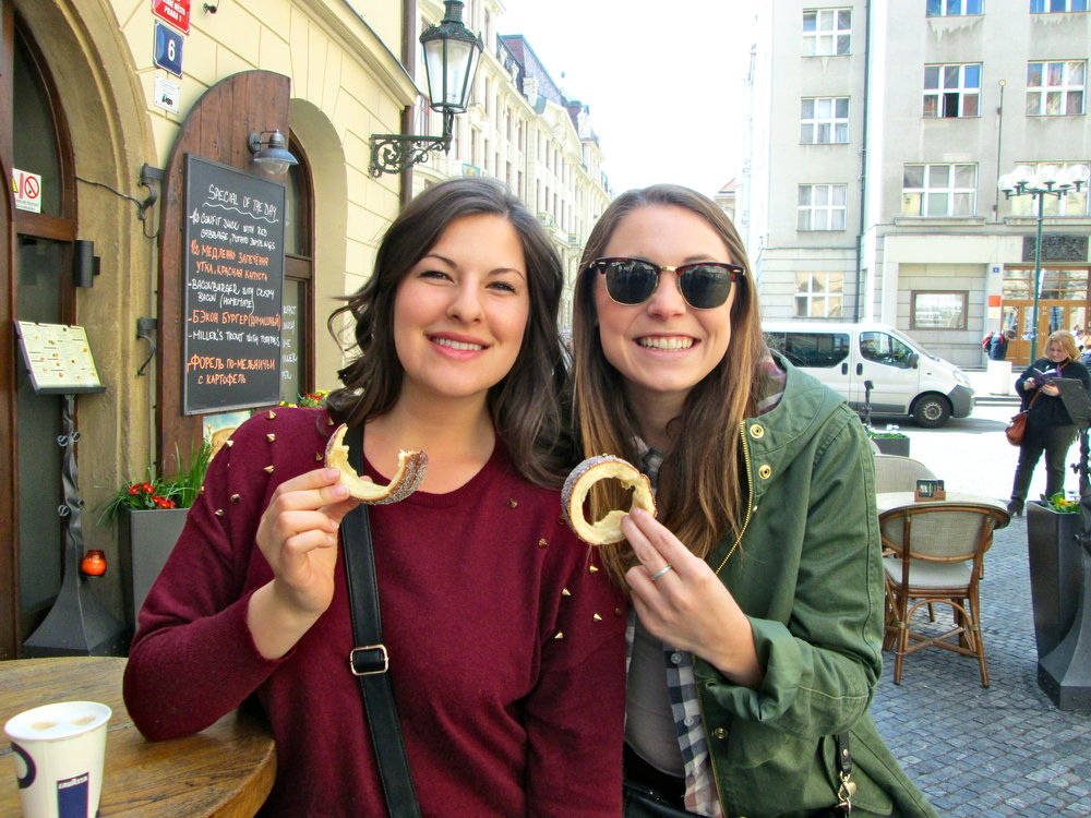 Eating tredlniks (Czech rolled pastry) in Old Town.