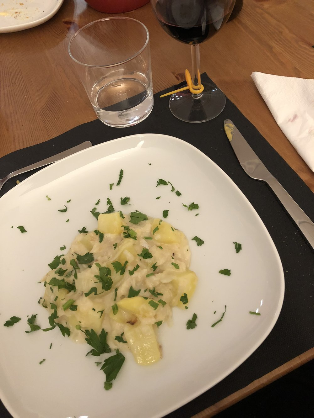 Cooking Lisbon course #2: codfish with potatoes.