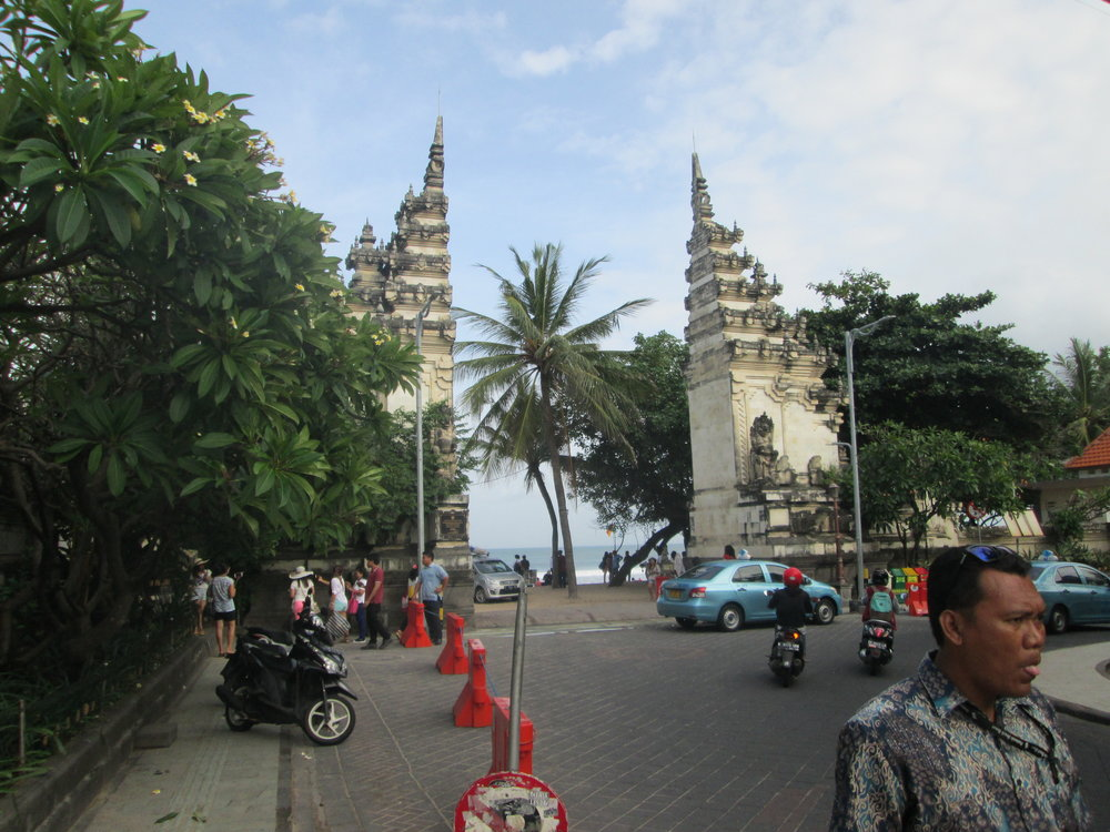 Walking through Kuta in the daytime, running into cool Balinese architectuer.