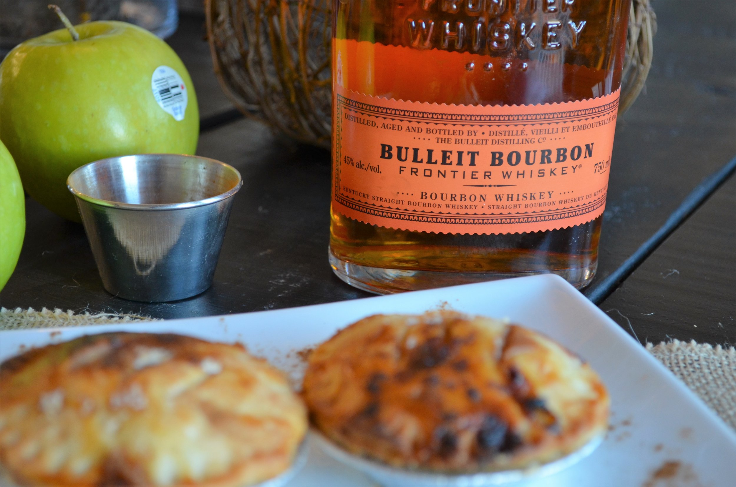 bourbon apple pie