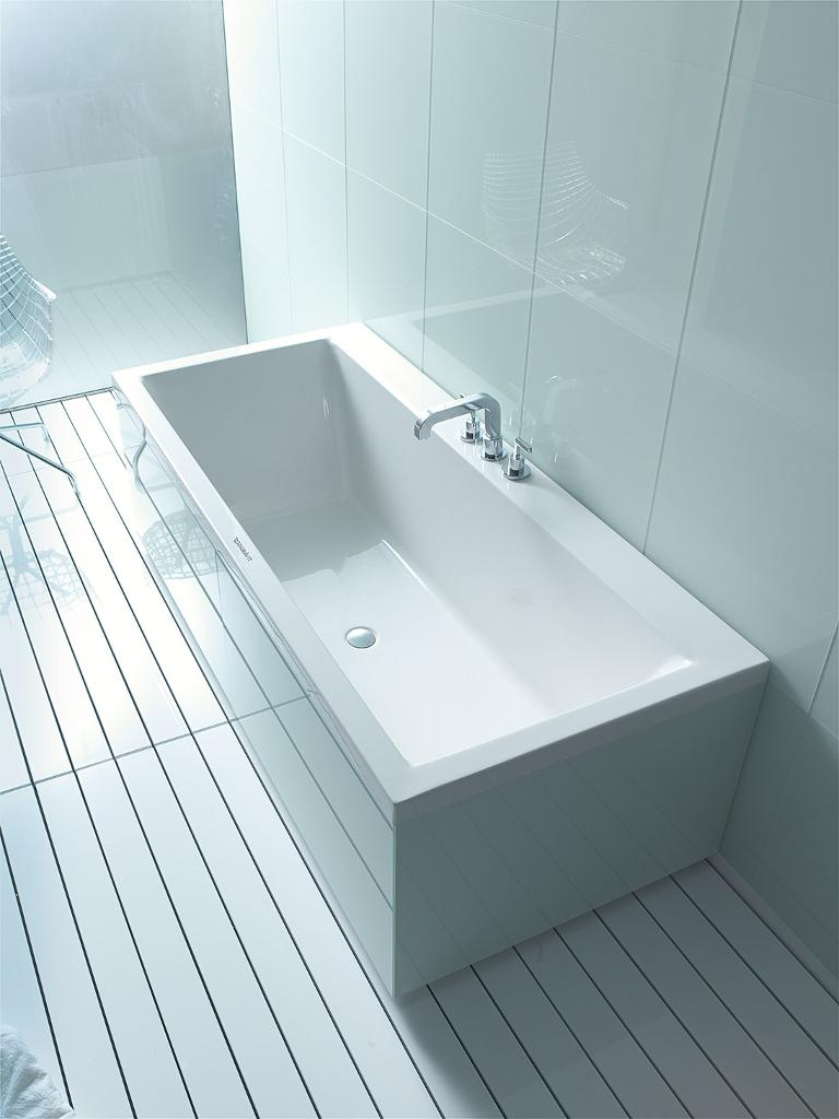 vero bathtub back-to-wall .jpg