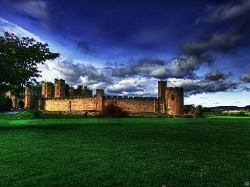 Alnwick-Castle-new-pic.jpg