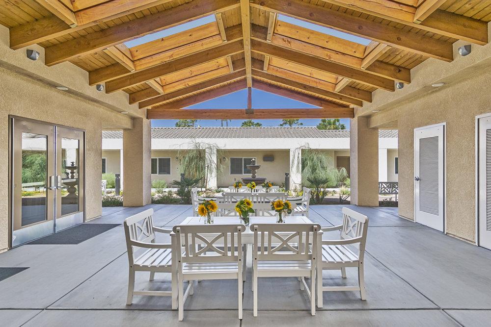 Palm Desert, CA    legend gardens    view project
