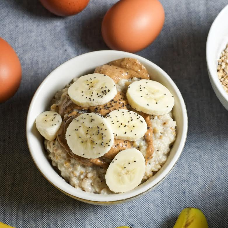This oatmeal recipe is SO good and SO healthy!