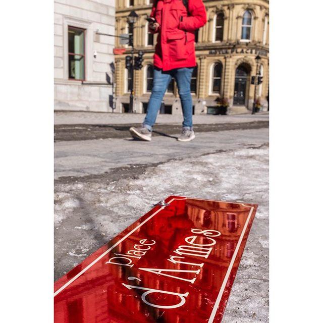 Place d'armes • • • • • • #streetleaks #verybusymag #streetgrammer #best_streetview #ig_street #streets_vision #street_focus_on #my daida #fromstreetswithlove #myfeatureshoot #storyofthestreet #life_is_street #dpsp_street #streets_storytelling #myspc #timeless_streets #urbanstreetphotogallery #pellicolamag #burnmagazine #somewheremagazine #streetsof514 #streetphotography #fuji #fujix100t #montreal #mtl #mtlmoments #rcmtl #thismtl