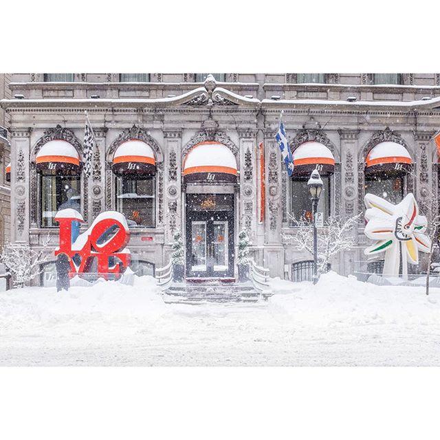 L♥️ve • • • • • • #montreal #explorecanada #mtlmoments #ilovemontreal #montrealworld #mtlblog #livemontreal #montrealmoments #montrealcity #winter #winterwonderland #mtlblog #narcitymontreal #rcmtl #clicquebec #mtlprodigies #thismtl #mtl #streetsof514 #moodymontreal #cbcmtl #jaimemtl #mtliconic #montreal_online #dailyhivemtl #vieuxmontreal #fujix100t #pellicolamag #burnmagazine #somewheremagazine