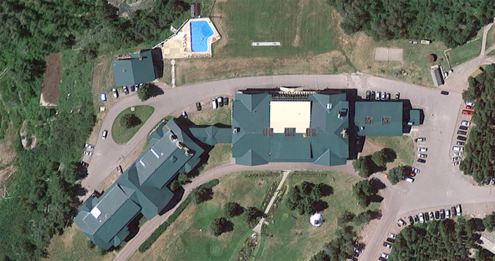 Glacier Park Lodge, satellite view. Click for Google Map link.