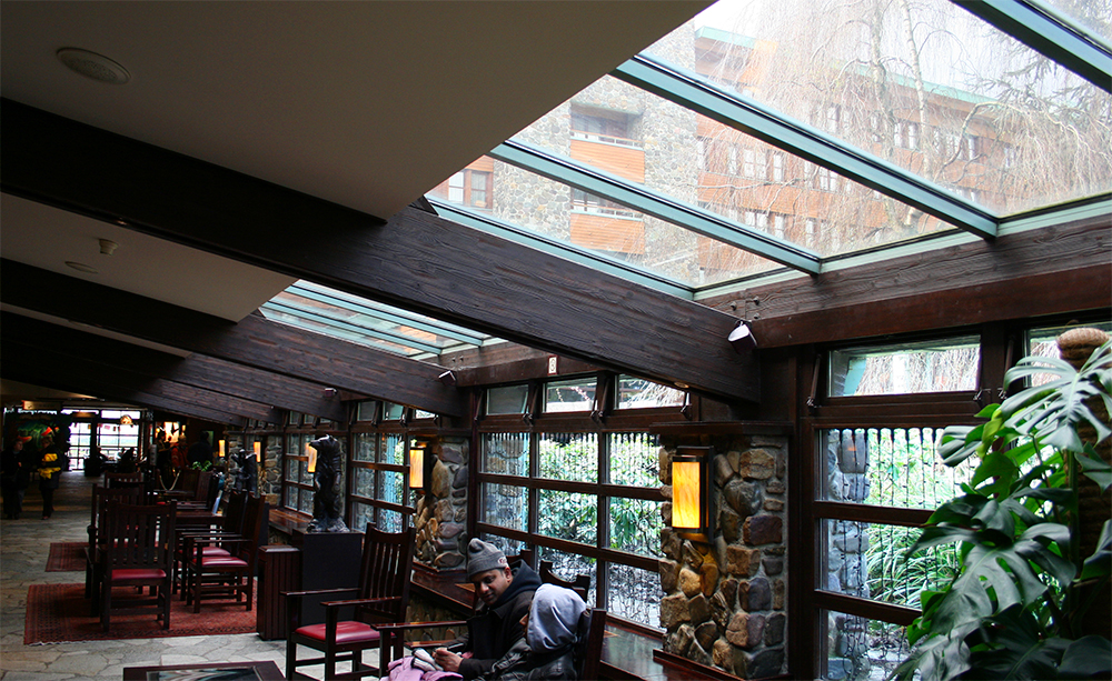 Mid-Century Modern lobby.