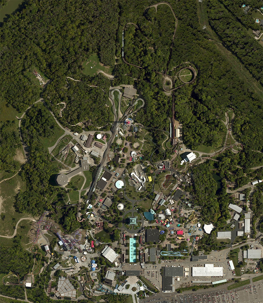 Kings Island satellite view. Click for Google Map link.