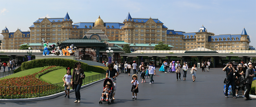 Tokyo Disneyland Hotel , 2008.
