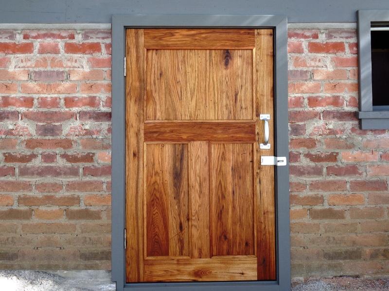 gary-wolfe-renovations-brockville-westport-cottage-door.jpg