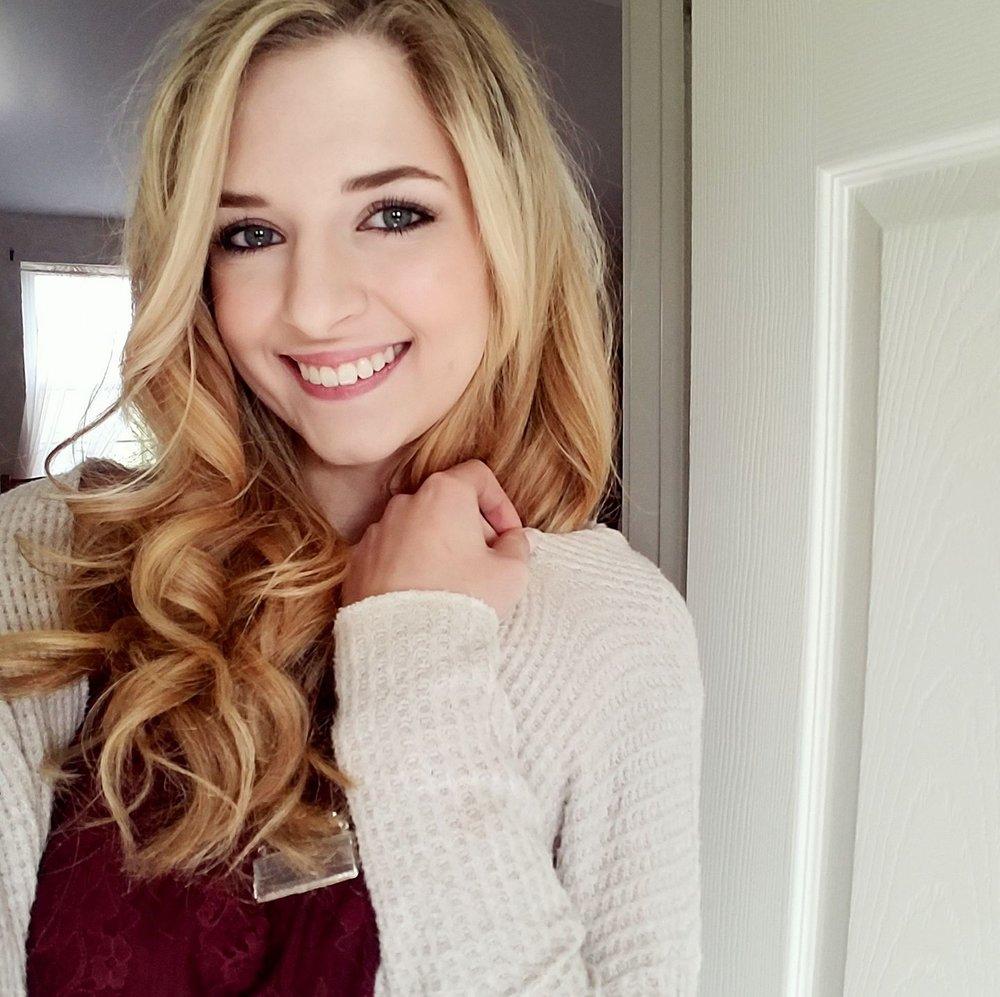 Nina Givens  Senior Star