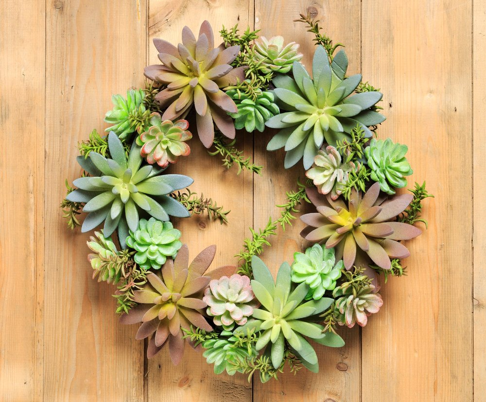 diy-mini-wreath-wedding-idea-1.jpg