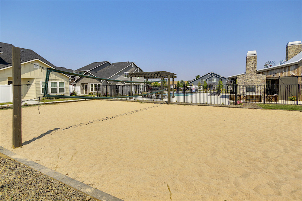 Stonesthrow-Living-sand-volleyball.JPG