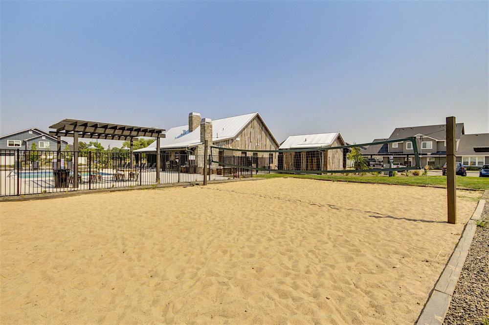 Stonesthrow-Living-sand-volleyball-2.JPG