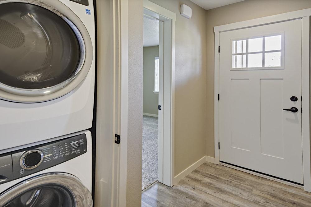 Stonesthrow-cottage-laundry.JPG