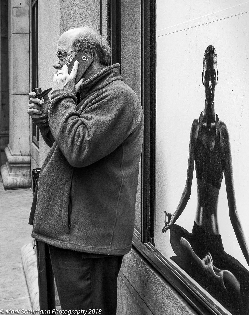 Street Photography_Chicago_Pipe Smoker_113018.jpg