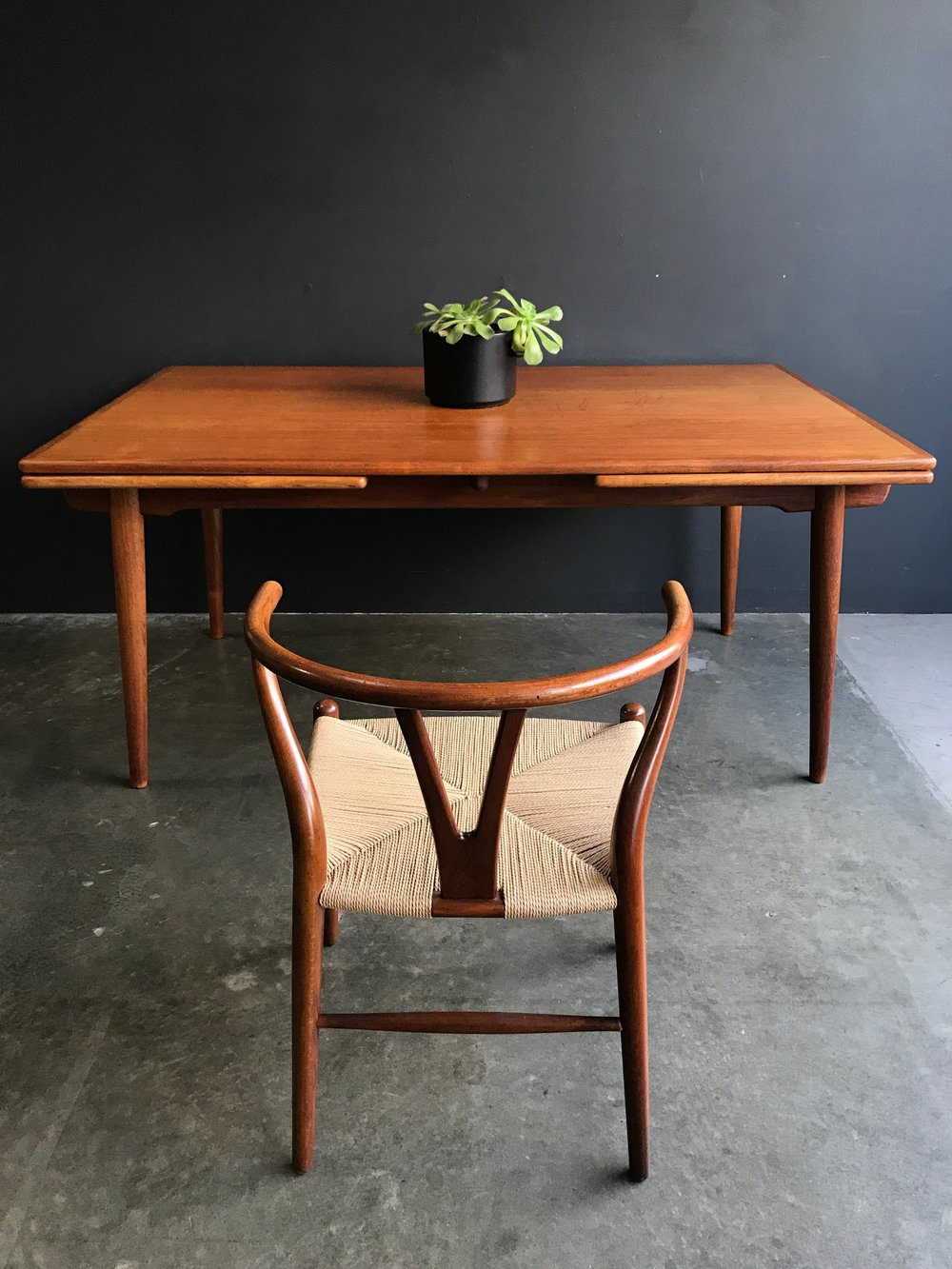teak dining table with wishbone chair