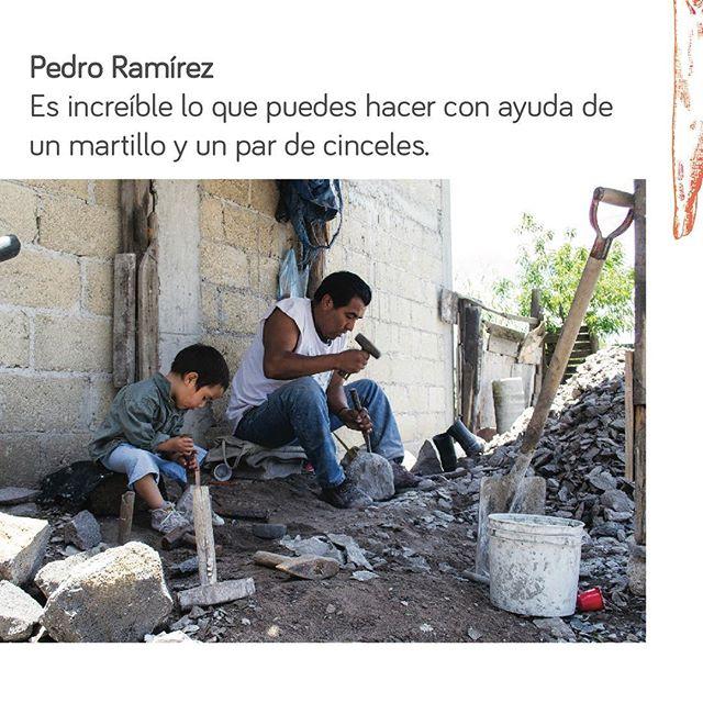 Es increíble como de un material que te rodea se crea un utensilio que enaltece los sabores de muestra comida, en el taller de Pedro Ramírez podrás hacer un molcajete de piedra volcánica. Aventúrate!  #c&b . . . . . #mexico #art #workshop #taller #volvanicrock #mexicanfood #artesania #pueblomagico #vive_mexico #pasionxmexico #piedras #craftmanship #tourism #ig_mexico #rock #handcraft #create #inspire #entrepreneur #socialentrepreneur #discover #traveler #traveltheworld #artsy #craft #brekfast