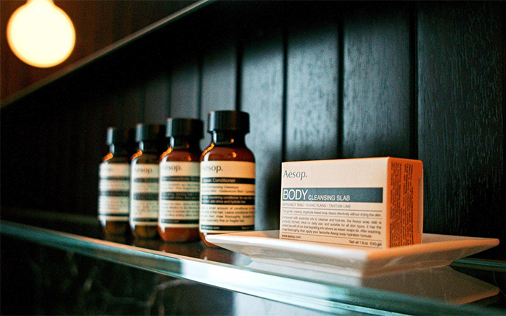 Website_0000s_0002s_0003_Goods-aesop-gramercy-park-hotel-new-york-city-LUXTOILET1129.png