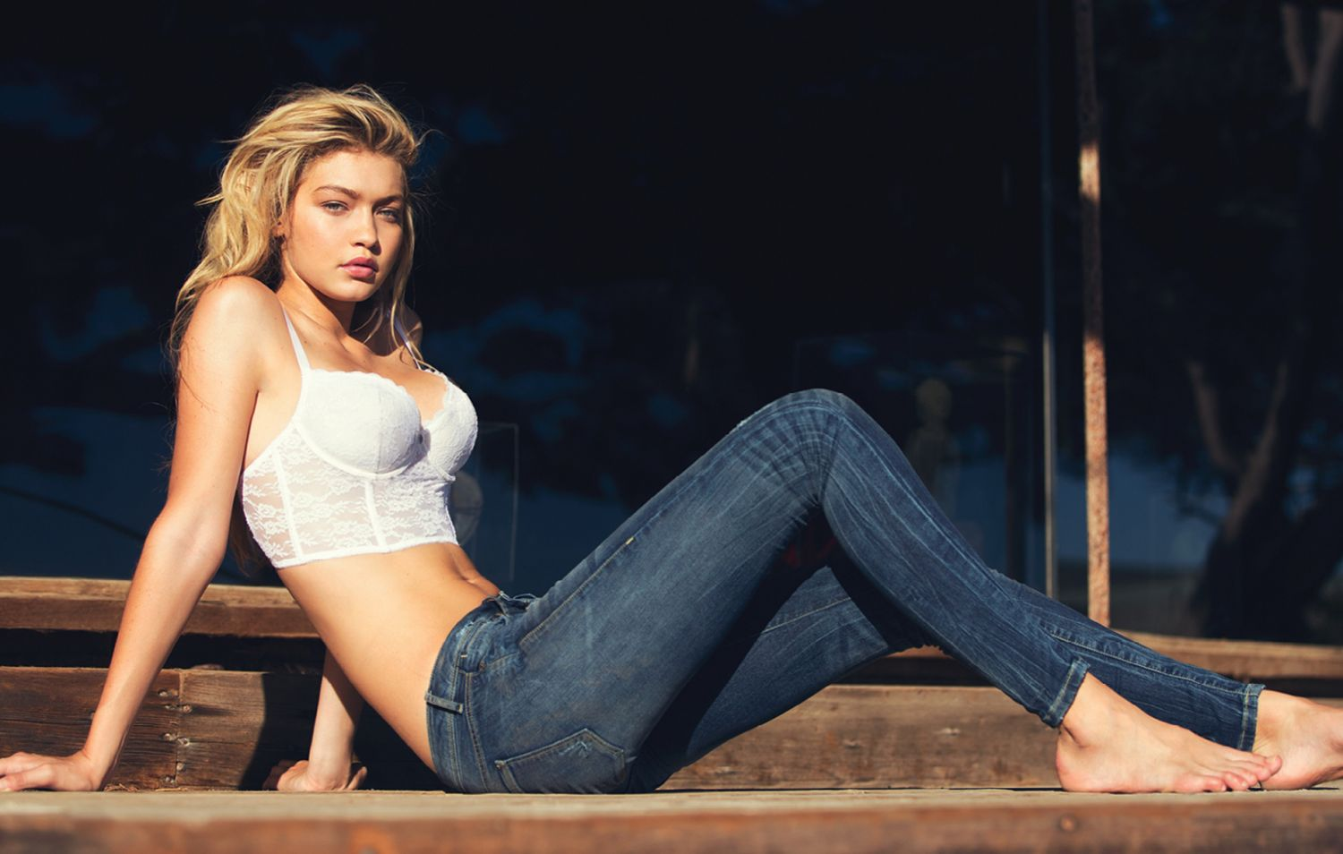 Gigi-Hadid-GUESS-Spring-Denim-2015-14