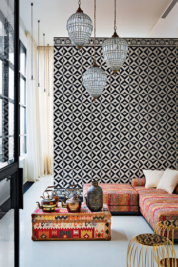 le-sojorner :     Tiled wall.