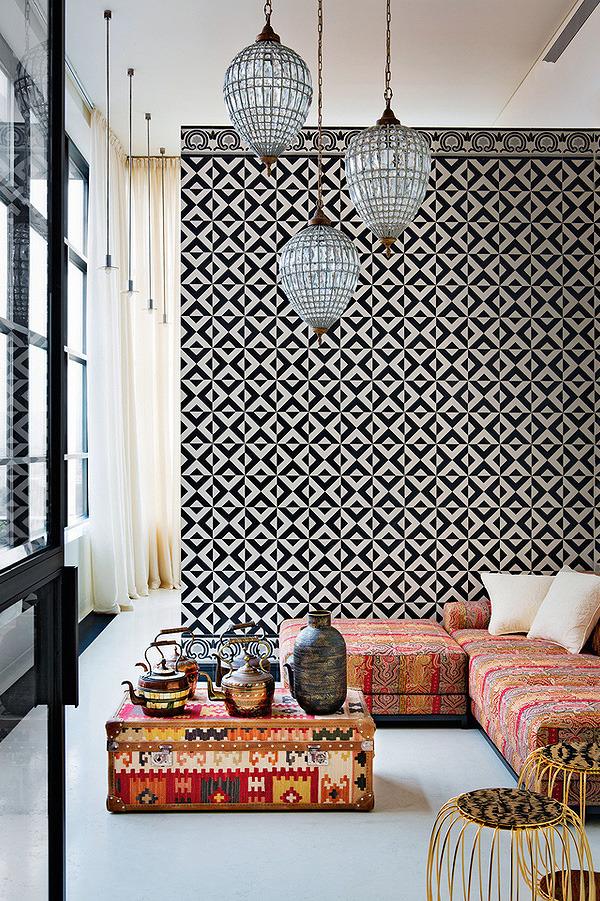 le-sojorner :     Tiled wall.