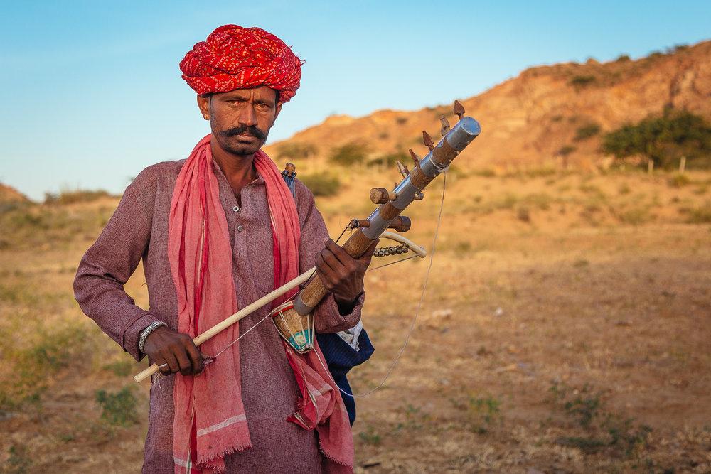 Folk musician in a rural village near Pushkar - Rajasthan, India.