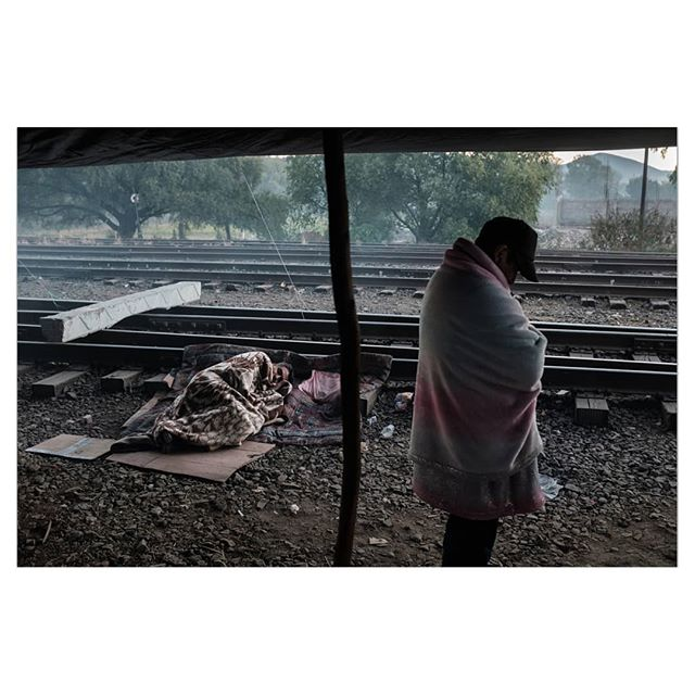 Teachers block train tracks at dawn during a union strike in the town of Maravatio, Michoacán. For @bloombergbusiness  _________ #maestros #strike #color #photo #photojournalism #mexico #michoacan