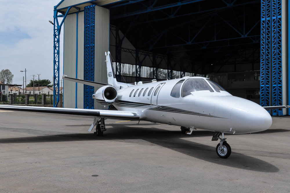 Citation C-550B   Citation C-550B pressurized  Crew : 2 pax  Passengers : 8 pax  Maximum cruising speed: 700 km/h    Specificities :  Life Port system on board for Medevac  Ability to land on 2/3 of Madagascar's airfields