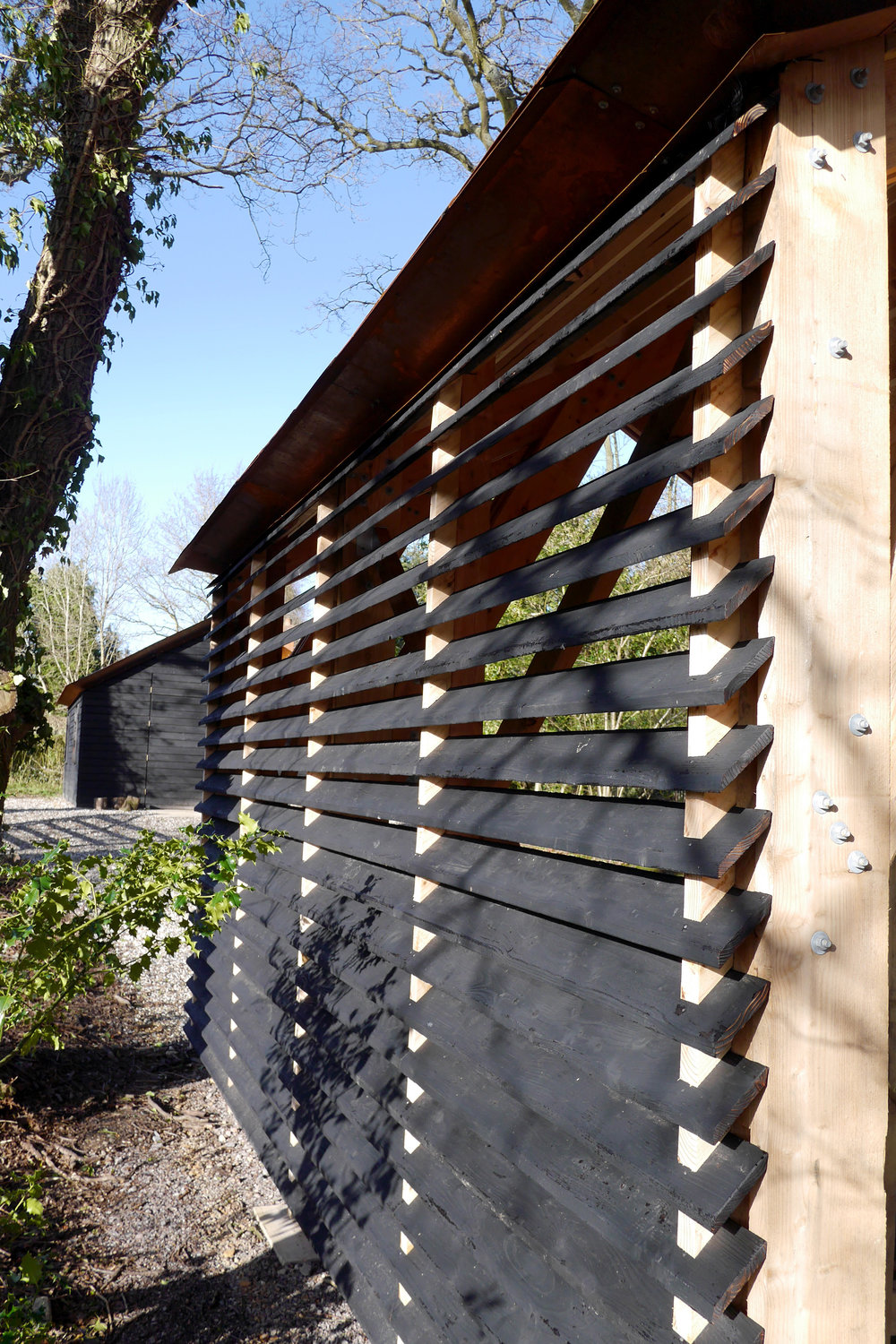 OC_29_store louvres to shed.jpg