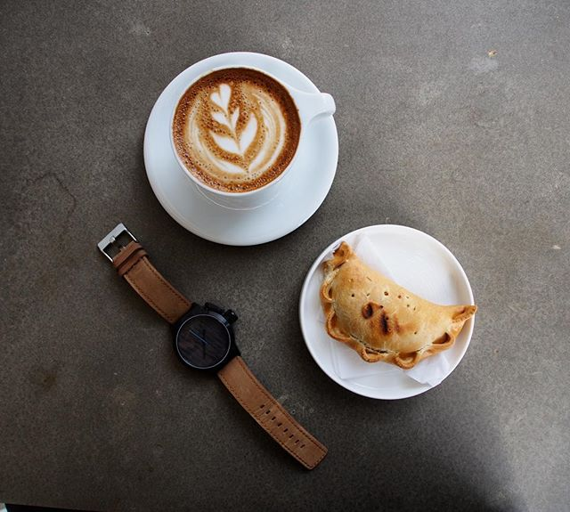 Coffee break! Name the moon-shaped snack and get a ✋🏼 emoji plus $100 off our newest 45mm watches! . . . . . . #watches #watchesofinstagram #timepiece #watch #watchfreak #woodwatch #woodwatches #woodworking #wood #watch #fashion #leather #leatherbracelet #mvmt #komono #komonowatch #amsterdam #travelwatch #travel #coupon #discount #sale #sales