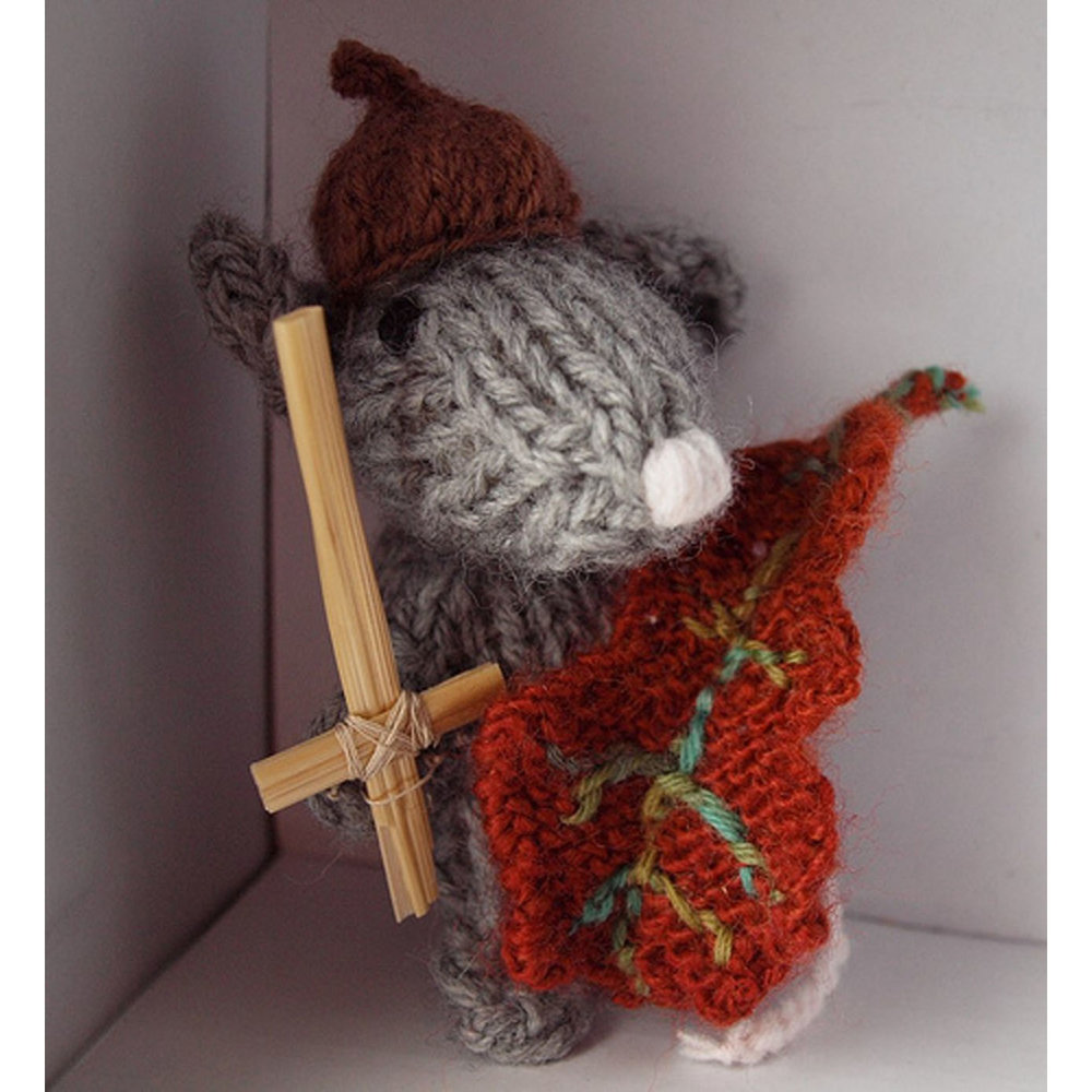 A knitted Jeremy Mouse with his grass sword!