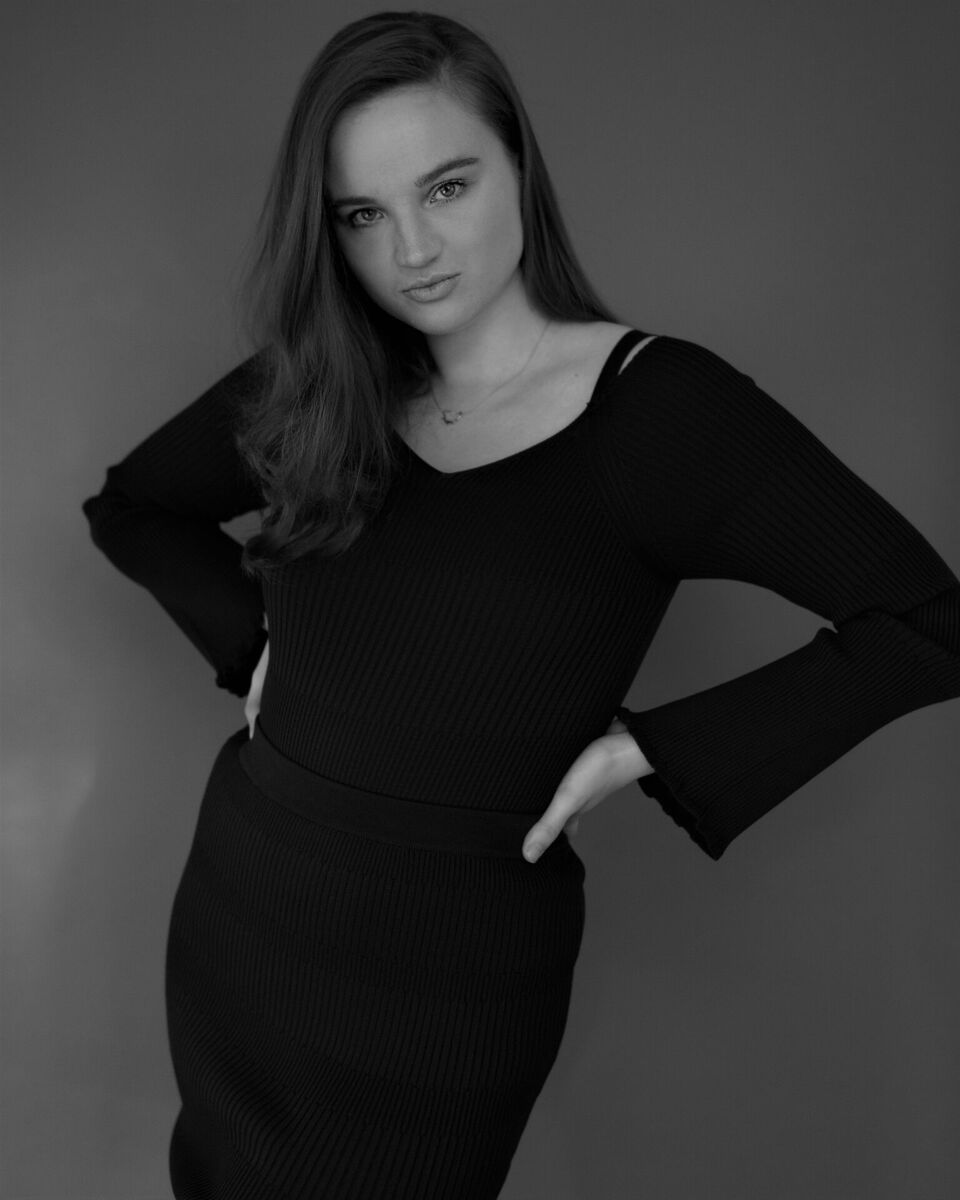 MORGANCURVES MANAGEMENT - HEIGHT: 5'10 BUST: 34 CUP: C WAIST: 28 HIPS: 38.5 HAIR: BROWN EYES: BLUEEMAIL: HELLO@CURVESMANAGEMENT.COMCALL: 0161 696 3785130 OLD STREET, LONDON, EC17 9BD