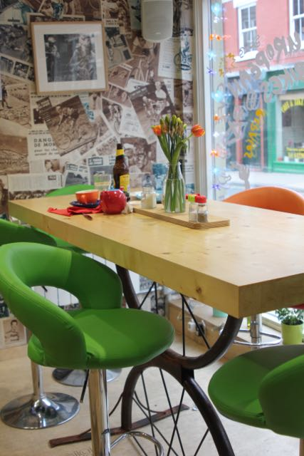bicis-y-mas-table.jpg