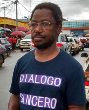 Celestino Nvo-Okenve, en el mercado de Malabo, en otoño de 2014. ÁLBUM FAMILIAR