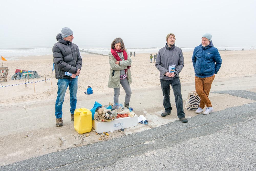 2018-03-25_Beach_Clean_Up_225.jpg
