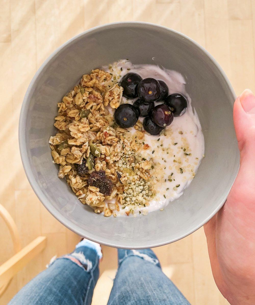 Yogurt, breakfast, quick breakfast, healthy breakfast, plant forward, dietitian, healthy eats