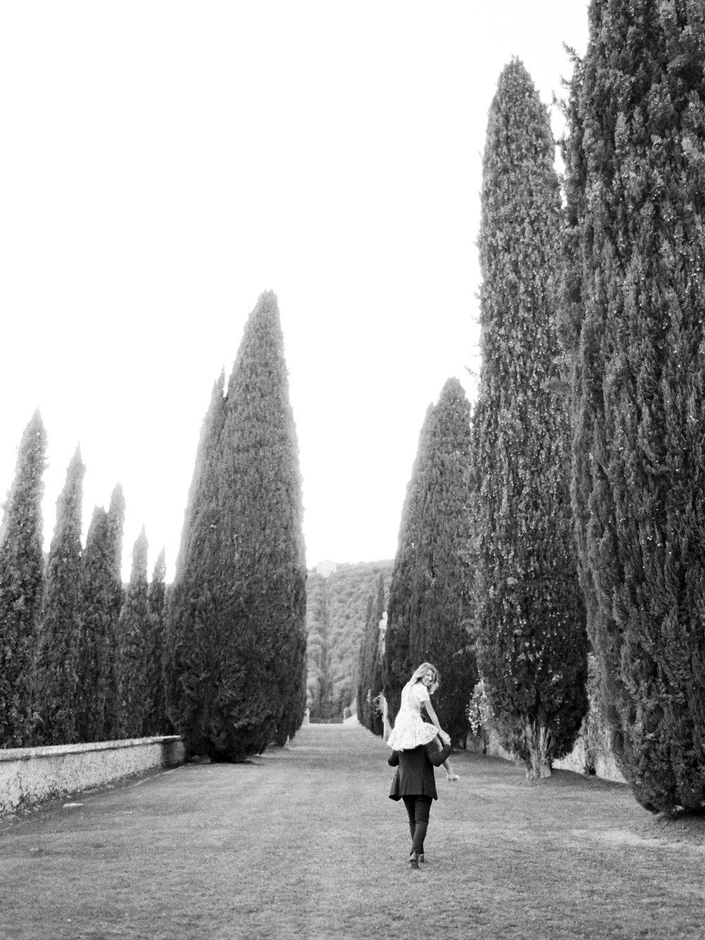 villa-cetinale-engagement-30.jpg