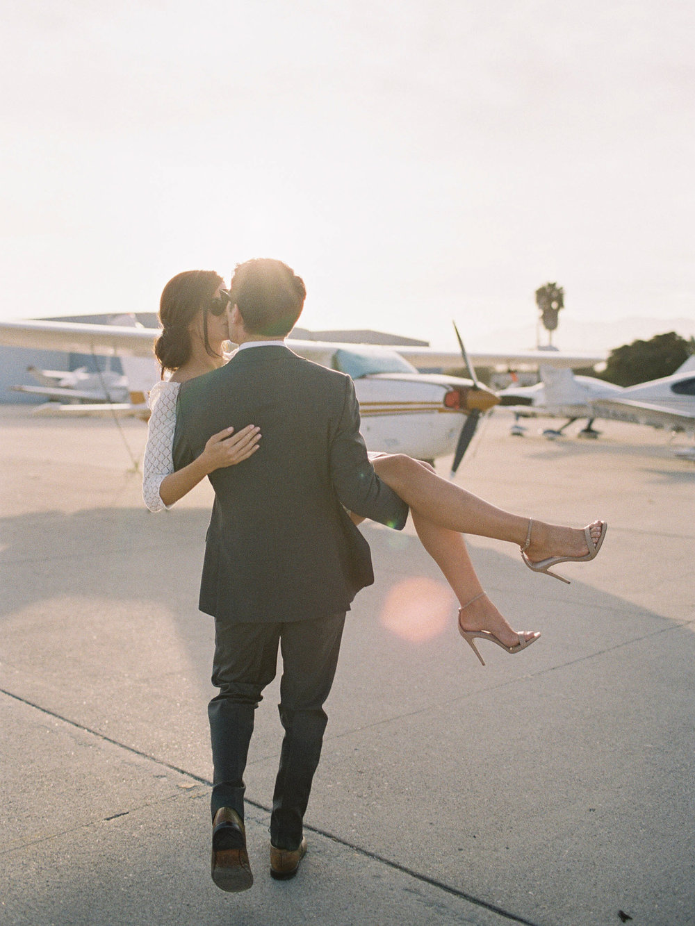 airport-engagement-shoot-2.jpg