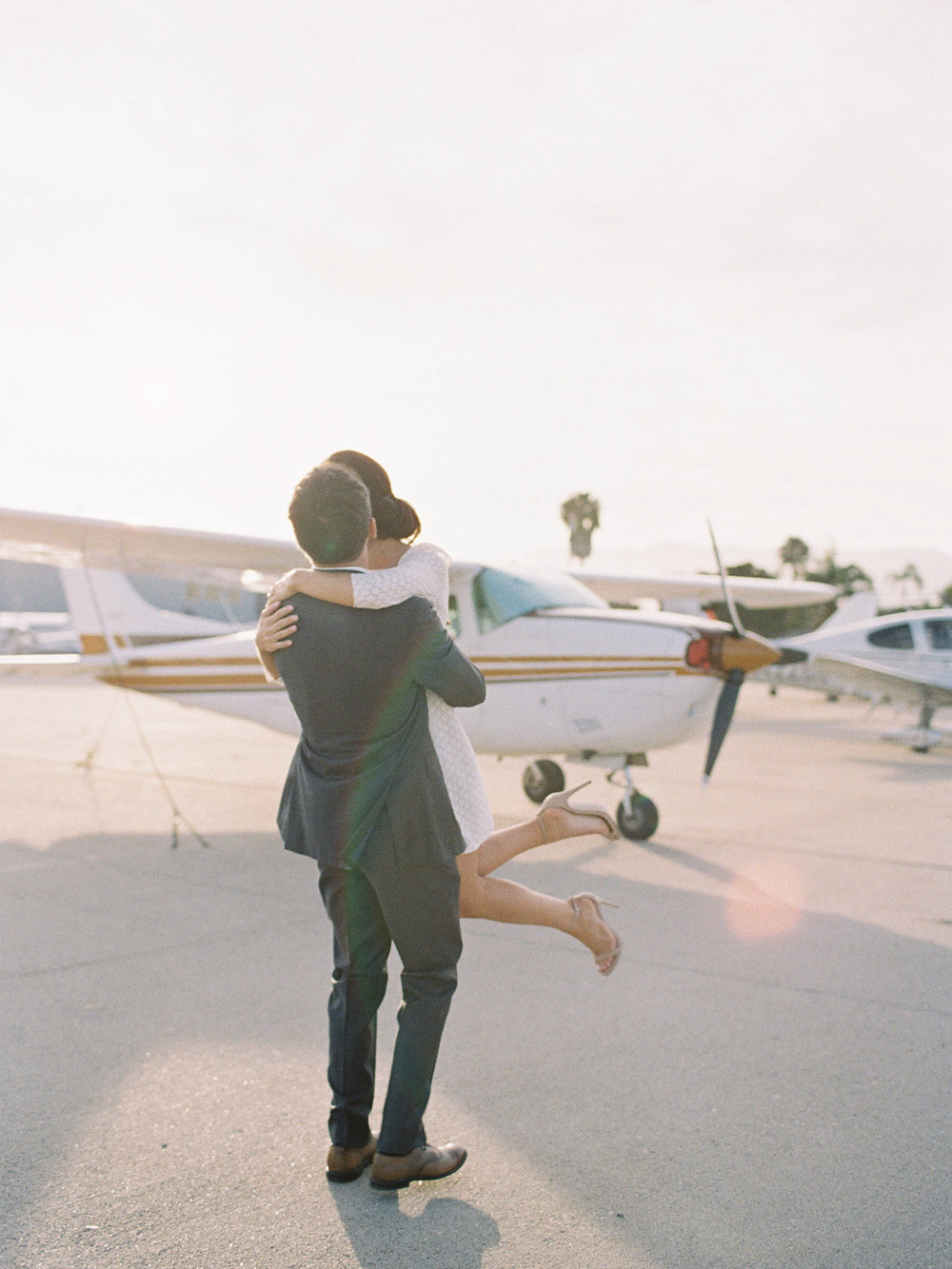 airport-engagement-shoot-5.jpg